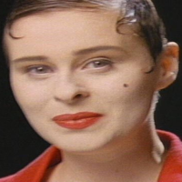 People hold on Coldcut Lisa Stansfield